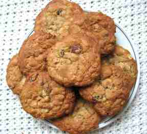 Oatmeal raisin cookies 4